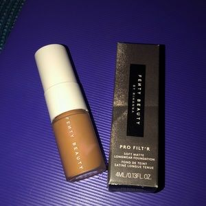 Brand New Never used Fenty Foundation Mini #380